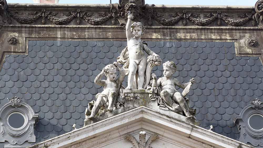 statues Lisbonne