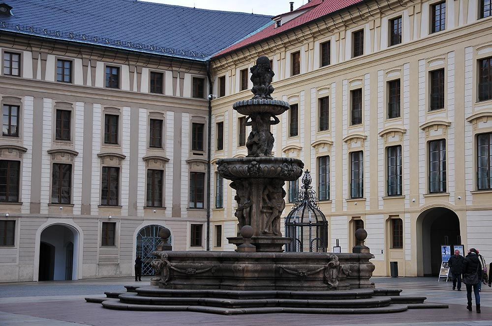 fontaine, château prague