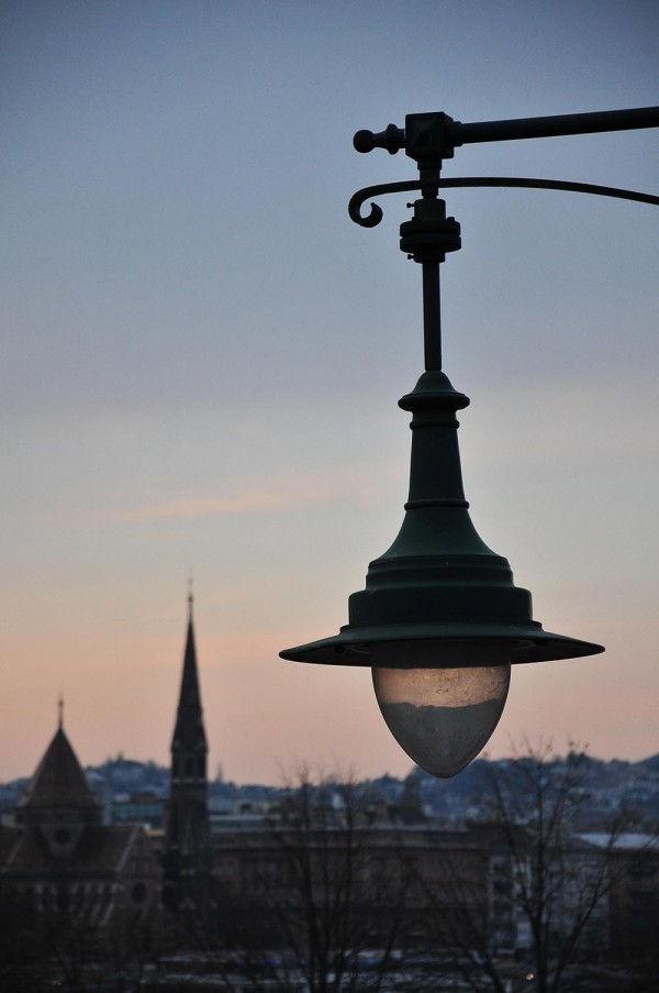 La nuit tombe sur le Danube...