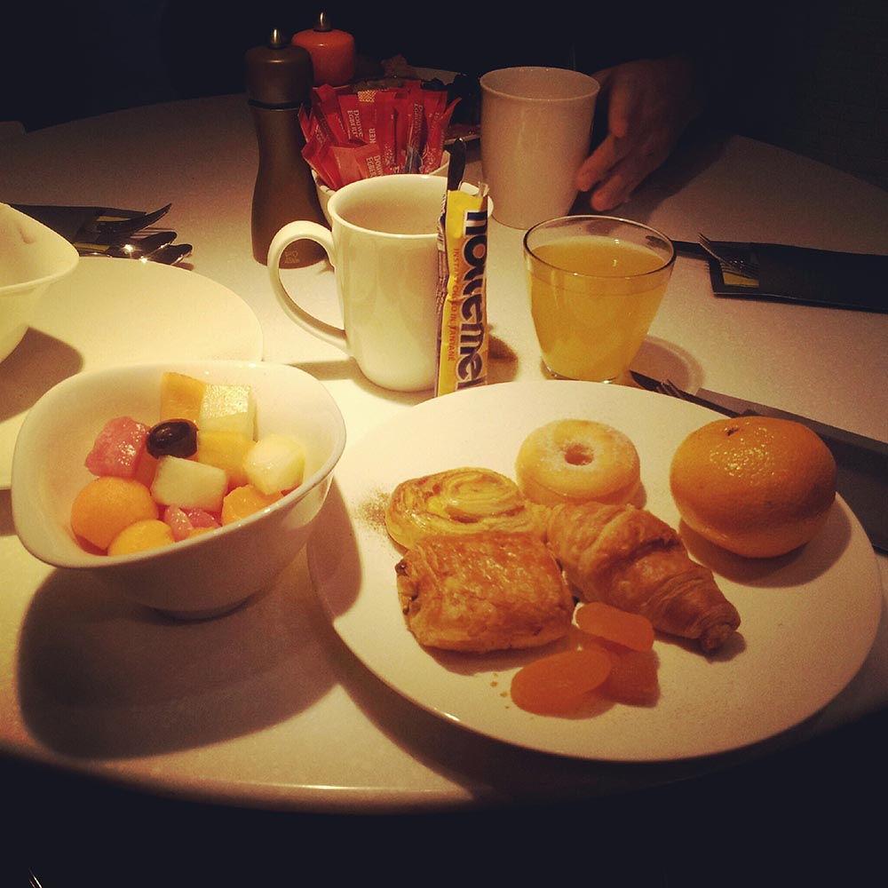 petit déjeuner hôtel bloom