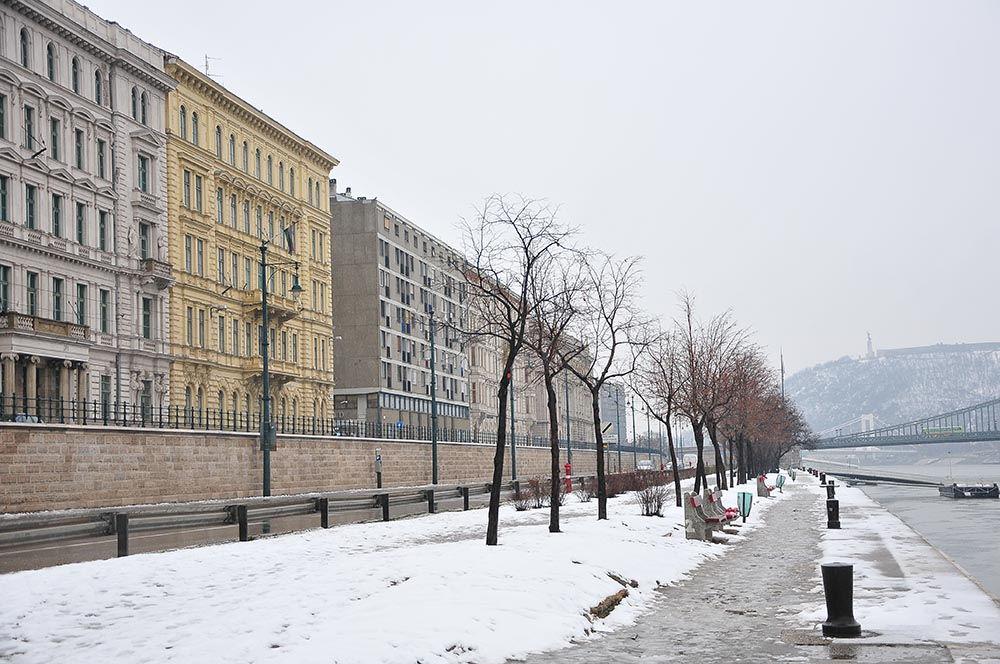 rives Danube Budapest sous la neige
