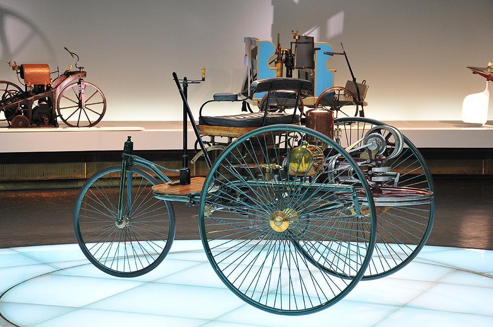 premières voitures musée Mercedes, Stuttgart