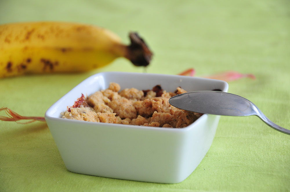 crumble bananes noisettes rhubarbe