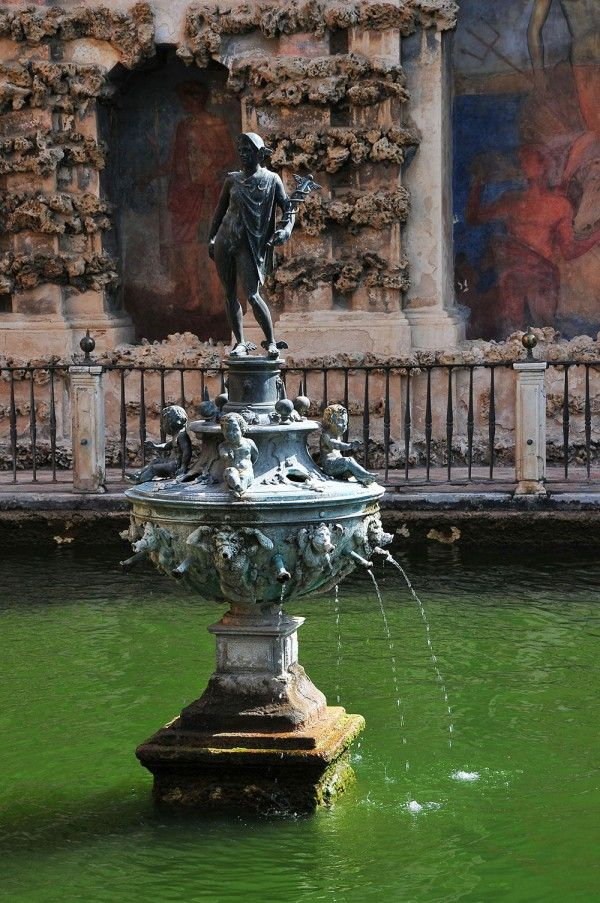 Sculpture du Dieu Mercure (1576)