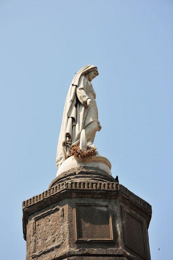 statue de l'immaculée conception, pizza del carmine, Cagliari, Sardaigne