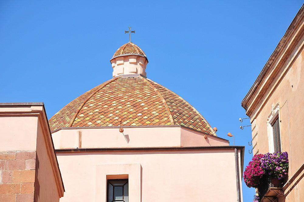 rues Iglesias, Sardaigne églises