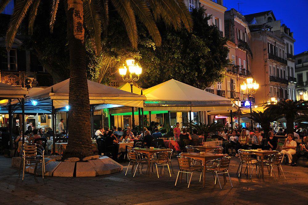 quartier de la Marina, Cagliari, Sardaigne , piazza yenne
