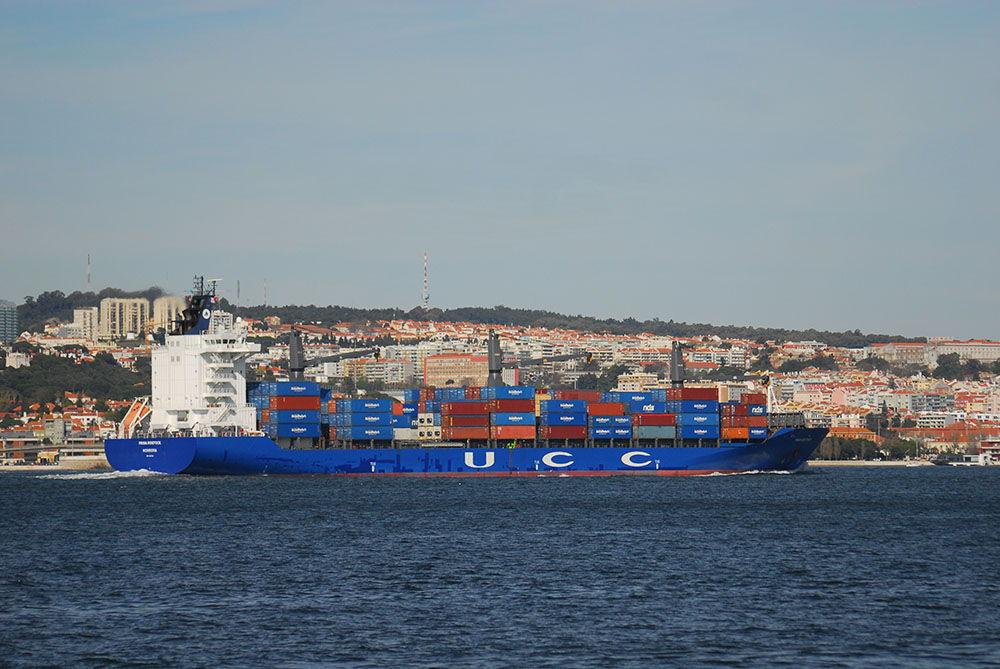 porte-conteneurs Lisbonne