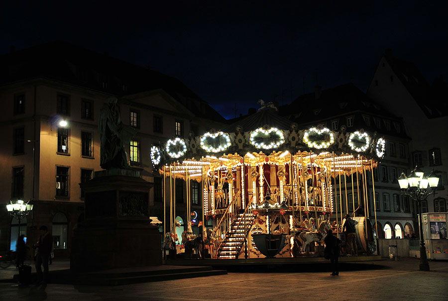 carrousel strasbourg, nuit