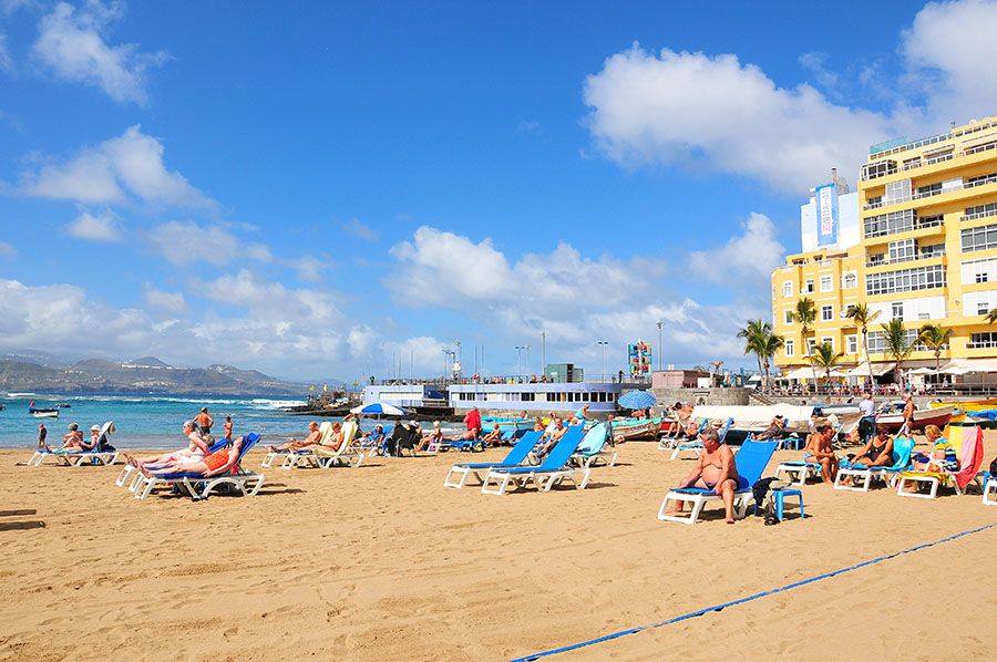 plage de las canteras, las palmas, canaries