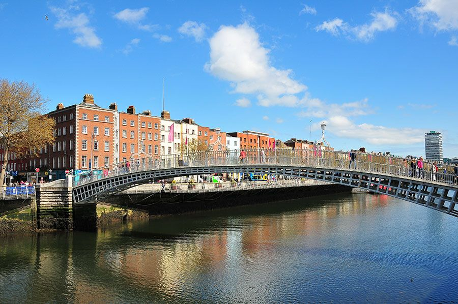 dublin liffey Ha'penny Bridge