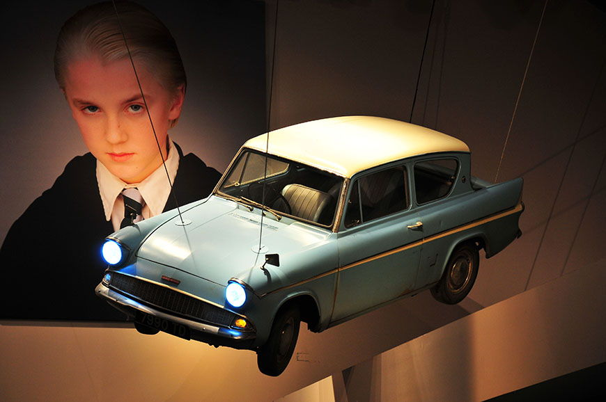 studios harry potter ford anglia