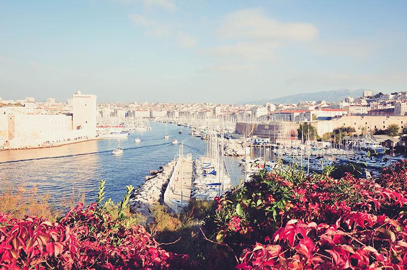 vue sur le vieux port depuis le pharo, marseille