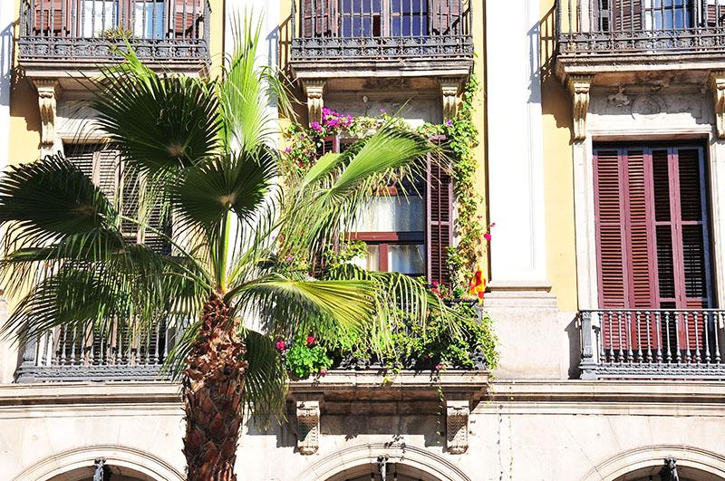 plaça-reial-barcelone (1)
