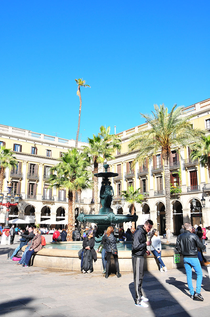 plaça-reial-barcelone (10)