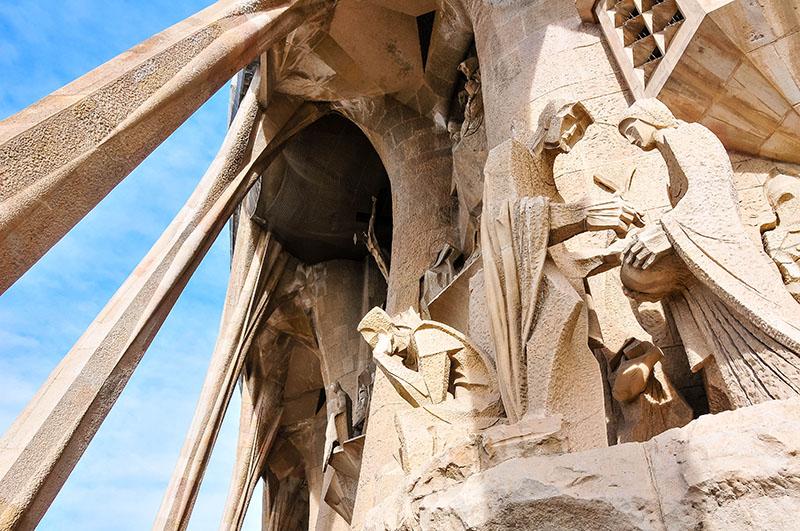 visite intérieure de la sagrada familia façade de la passion