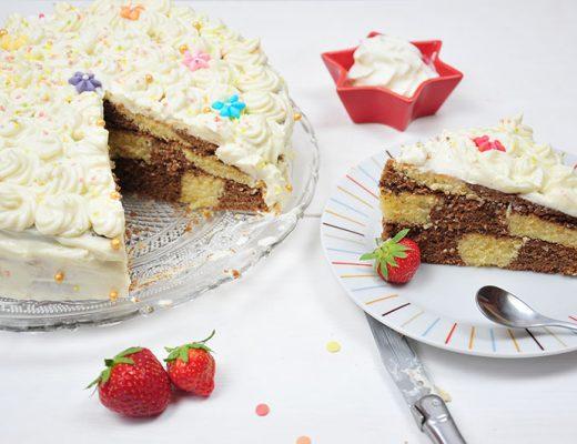recette de gâteau damier au chocolat avec un séparateur de pâte