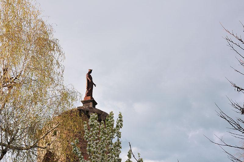saint-haon-le-châtel, village de caractère dans le roannais