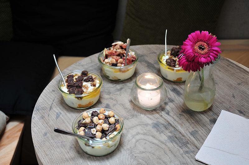 yoghurt barn, pijp, amsterdam