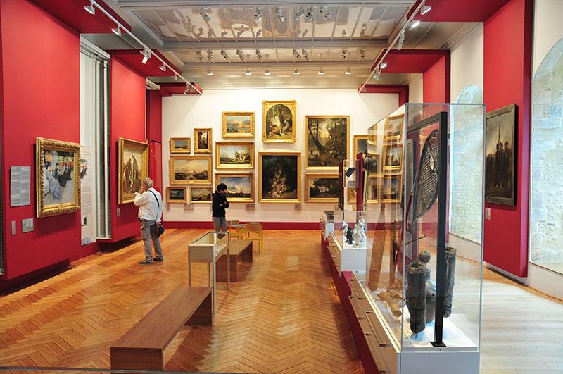 Musée d'Art et d'Histoire Baron Gérard (MAHB) dans l'ancien palais des évêques de Bayeux