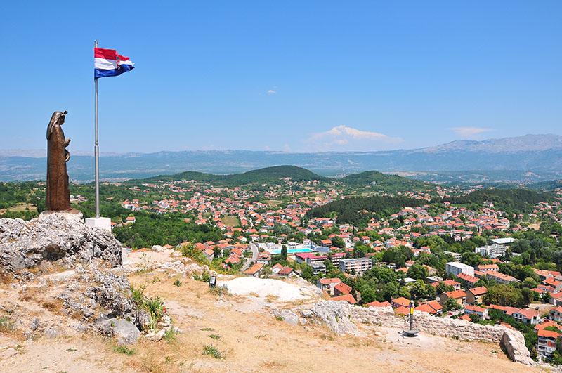 panorama depuis la forteresse Kamicak, sinj, croatie