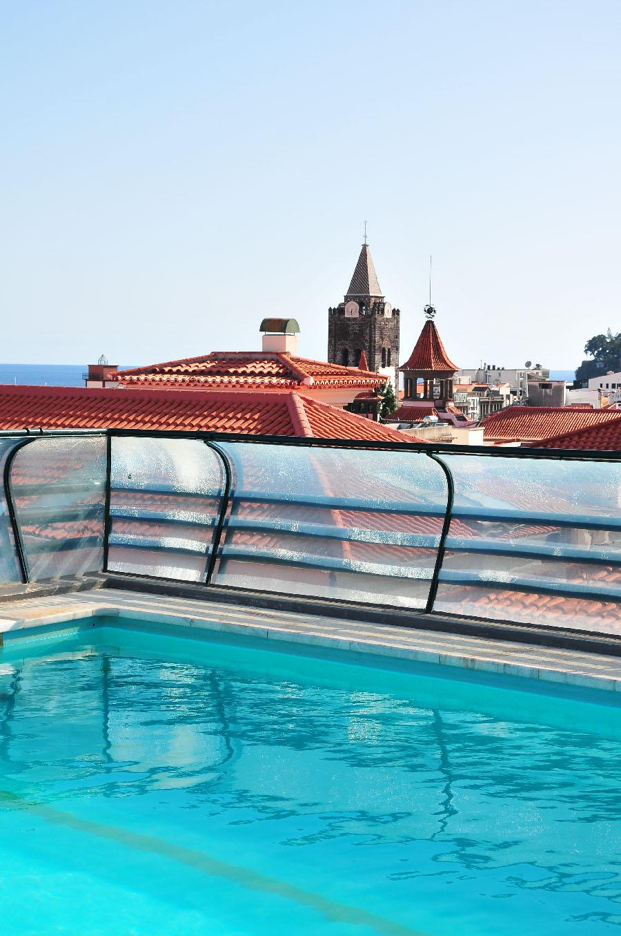 depuis la terrasse de l'hôtel windsor, piscine sur le toit, funchal