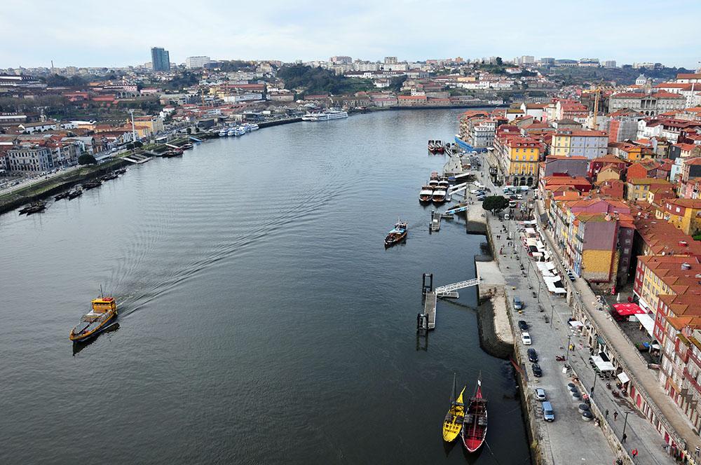vue sur le douro depuis le pont dom luis, porto