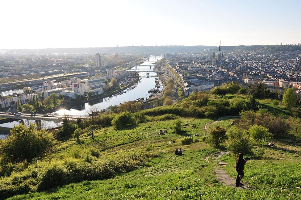 panorama rouen depuis la colline sainte-catherine
