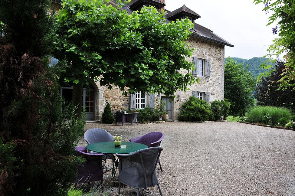 chambres d'hôtes de l'établissement à l'Ombre du Château, à Nans-Sous-Sainte-Anne