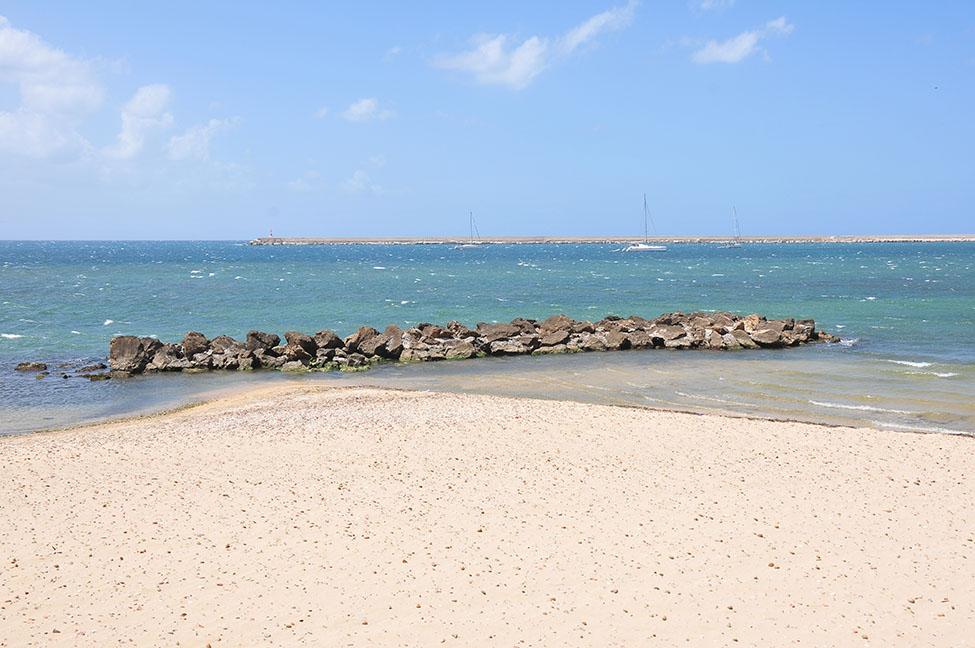 road-trip en sicile: balade dans les rues de mazara del vallo: plage