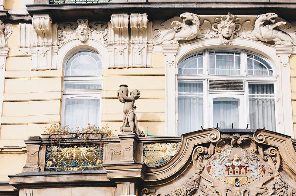 détail de façade, prague