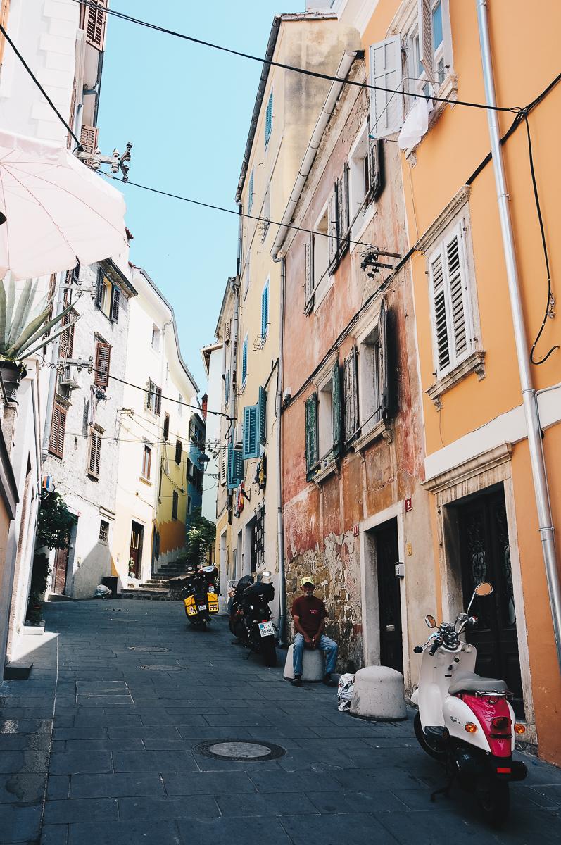 road-trip en slovénie, visite de Piran, atmosphère italienne