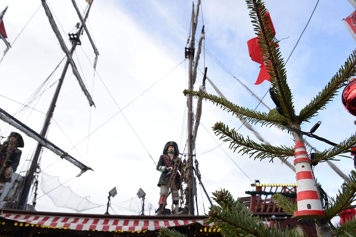 marchés de Noël de Cologne, stands, pirates, port