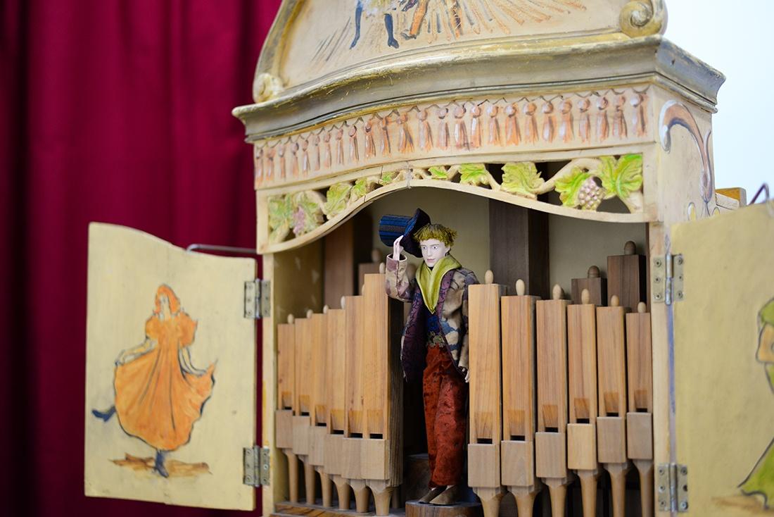 atelier d'orgues de barbarie de Didier Bougon, pernes-les-fontaines , vaucluse