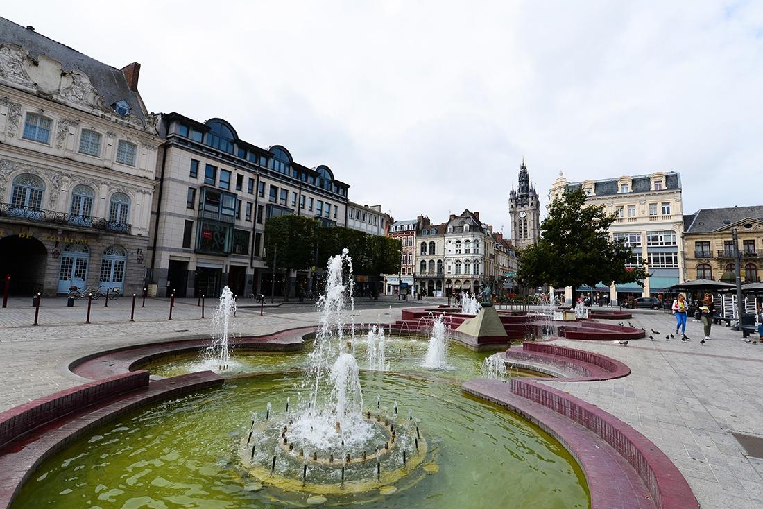 balade au centre-ville de Douai, place d'armes