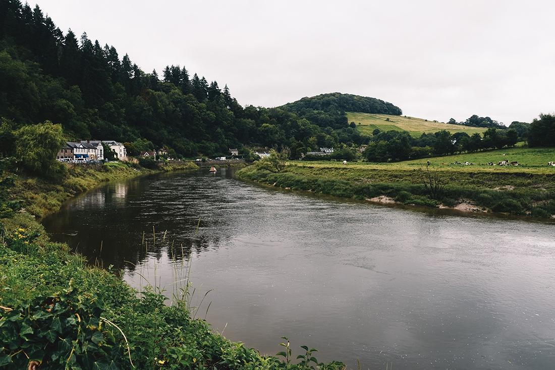 sur la route, pays de Galles