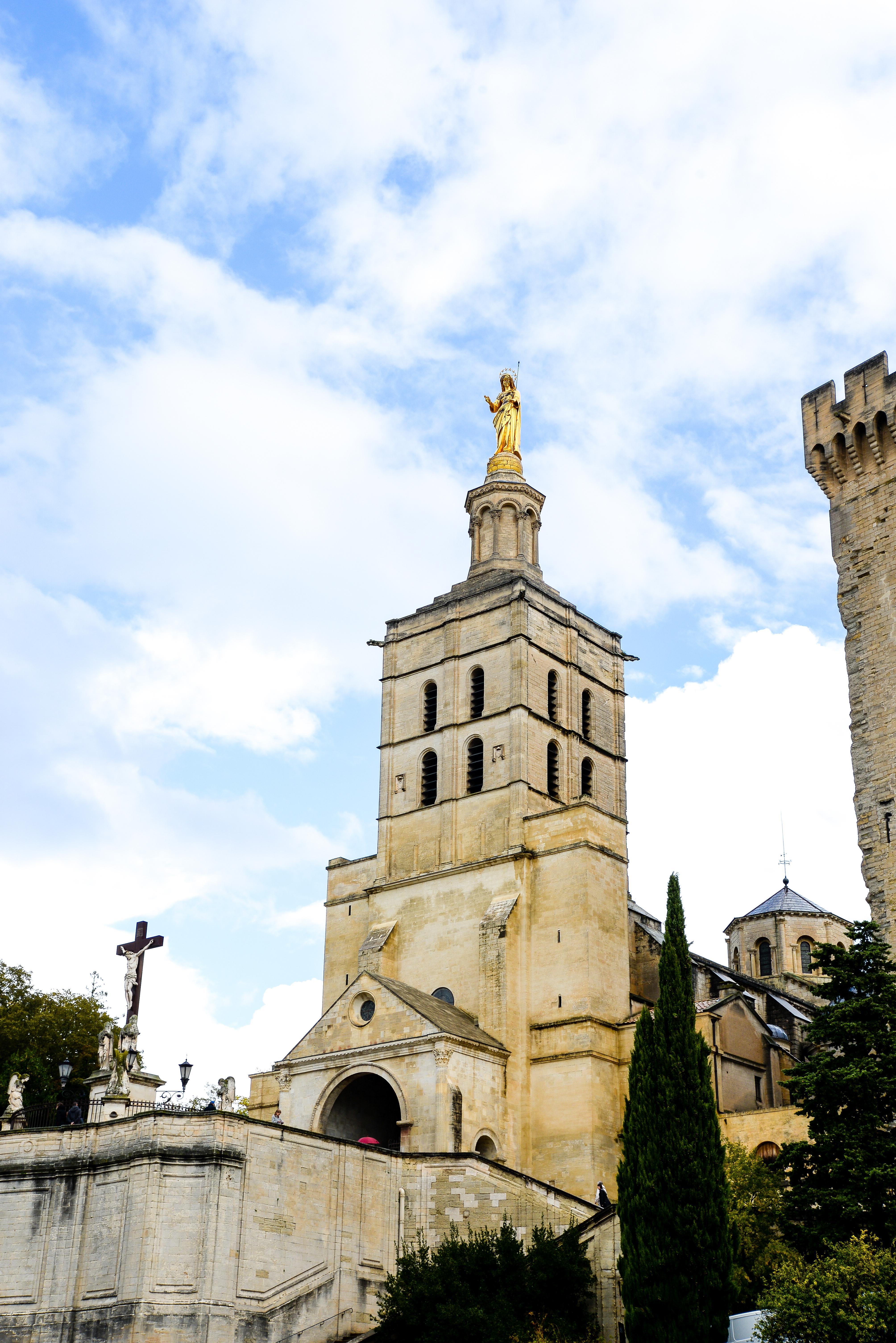 vvisiter le palais des papes, avignon, vaucluse