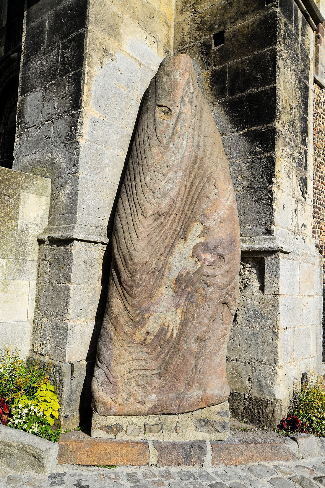 chapelle des anges musiciens, le mans, sarthe mégalithe