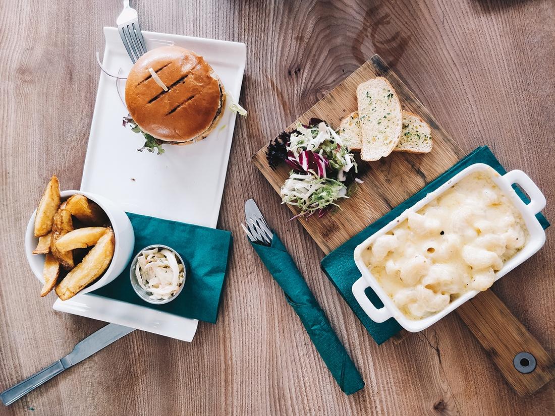 déjeuner au mac gregor's, inverness
