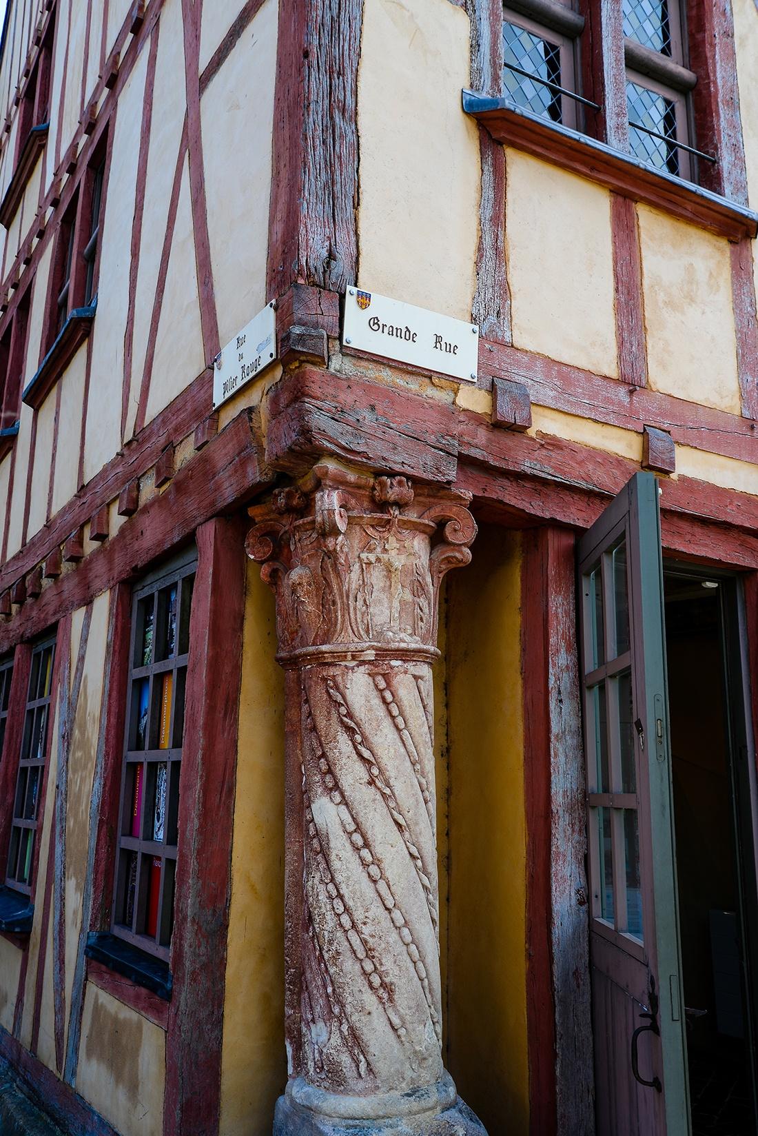 maison du pilier rouge, cité plantagenet, le mans