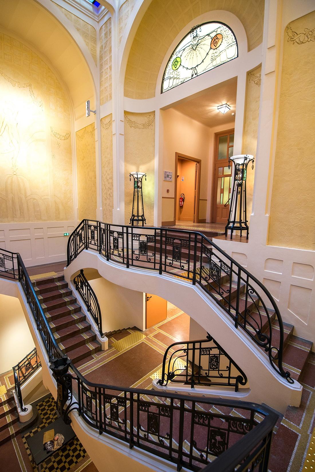 visite de la salle sthrau, salle de bal, art déco, maubeuge, nord, hauts-de-france