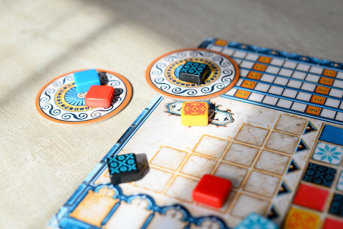 azul, jeu de société pour voyager depuis chez soi