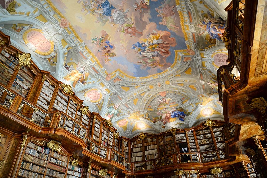 visite du monastère saint-florian, autriche, bibliothèque