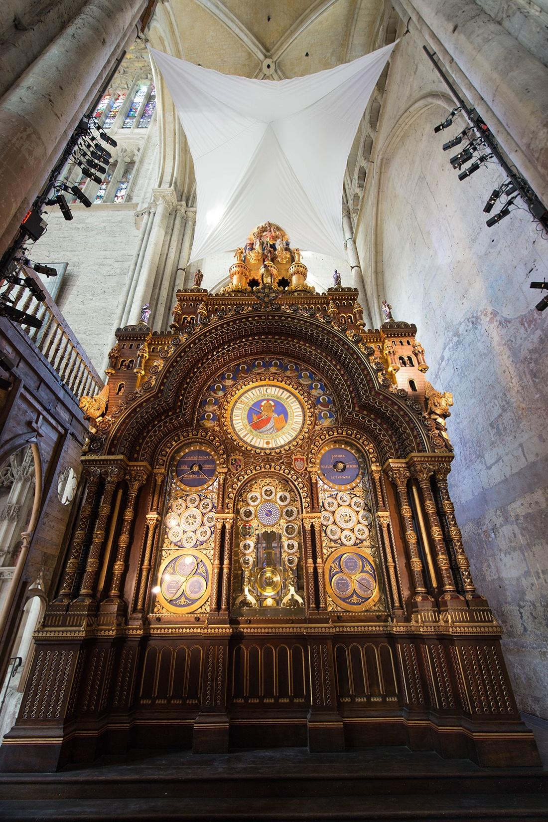 horloge astronomique, cathédrale de beauvais, oise