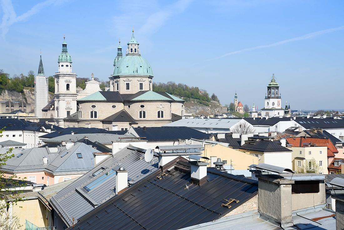 toits et clochers de salzbourg, autriche