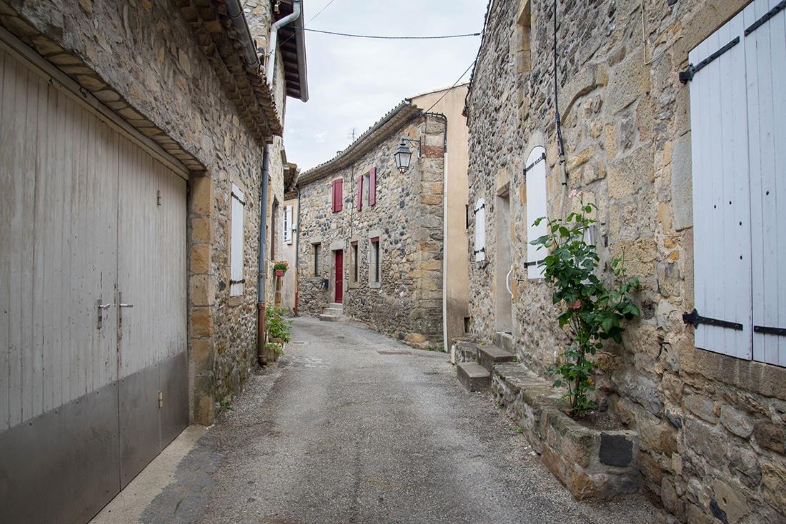 Flâner dans le village de Coux, ardèche buissonnière