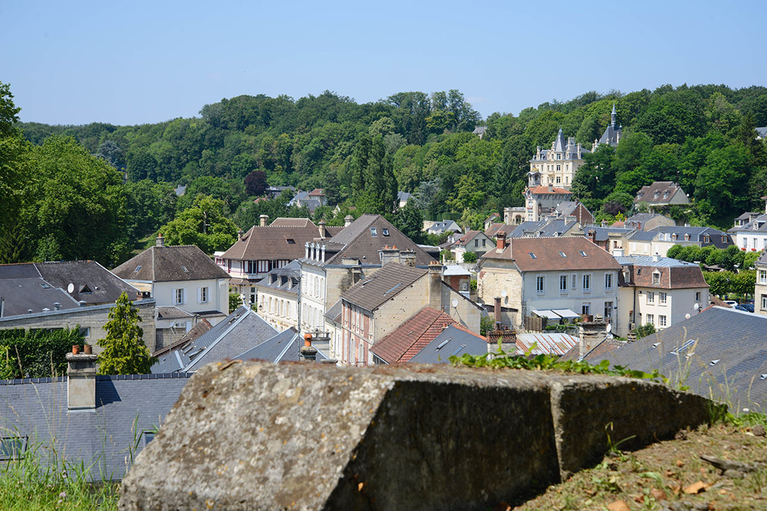 village de pierrefonds, oise